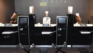 Otel personelini işinden eden robotlar da işten çıkarıldı!
