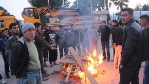 Otel inşaatında çalışan işçilerden eylem