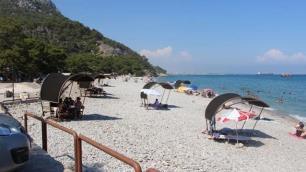 Plajda yürüyüş için otopark fişi kestiler!