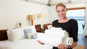 Tatilciler hijyenik otele verdiği paraya üzülmüyor
