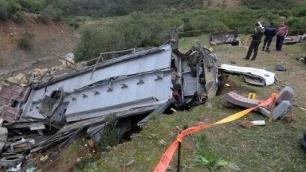 Tunusta feci tur otobüsü kazası: 22 ölü