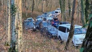 Turist patlaması yaşadı Kilometrelerce araç kuyruğu!