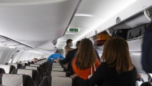Turistin maske inadı Antalya uçağını indirdi!