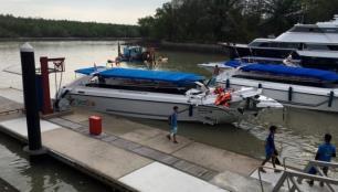 Turistleri taşıyan sürat tekneleri çarpıştı: 2 ölü