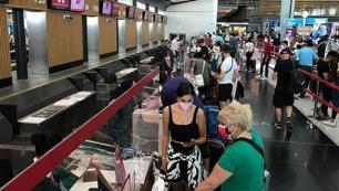 Turistlerin Türkiyeye giriş koşullarına uzatma!