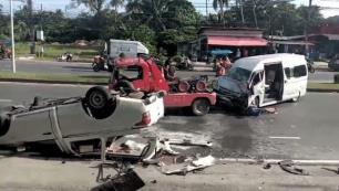 Türk turistleri taşıyan araç kaza yaptı