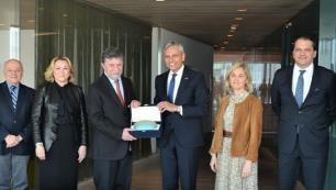 TÜRSAB ve Türkiye Bilişim Vakfı turizmde dijitalleşme konusunda iş birliği imkanlarını görüştü
