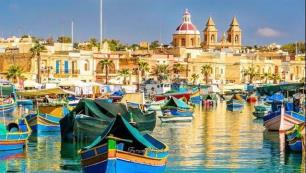 Üç gün kalan turiste 200 euro verecekler
