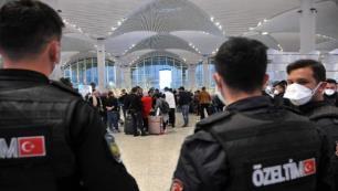 Uçuş yasağı nedeniyle Türkiye'de kalan Cezayirliler ülkelerine gönderildi