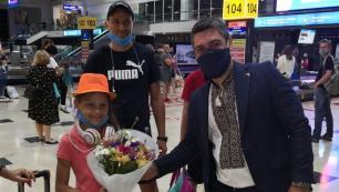 Ukraynadan ilk turist kafilesi Antalyaya geldi
