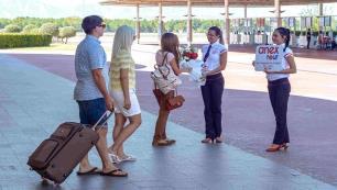 Talep yoğun olunca Antalya charter uçuşlarını öne çekti