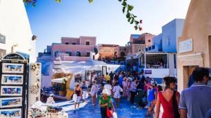 Yunanistan Rus turistlere kapılarını iki şartla açıyor